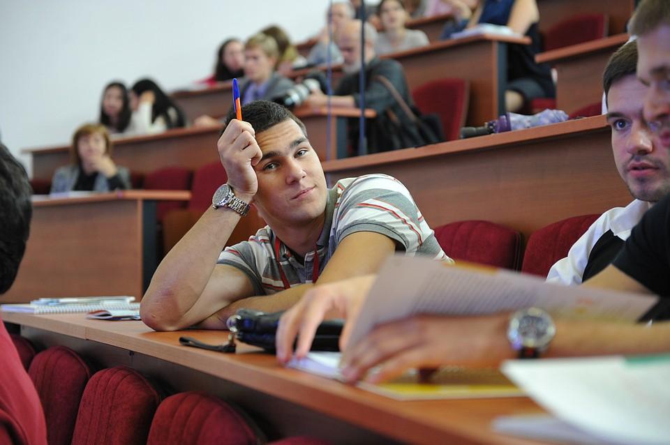 Министр науки и высшего образования Валерий Фальков - об увеличении бюджетных мест в региональных вузах и гибких программах в университете